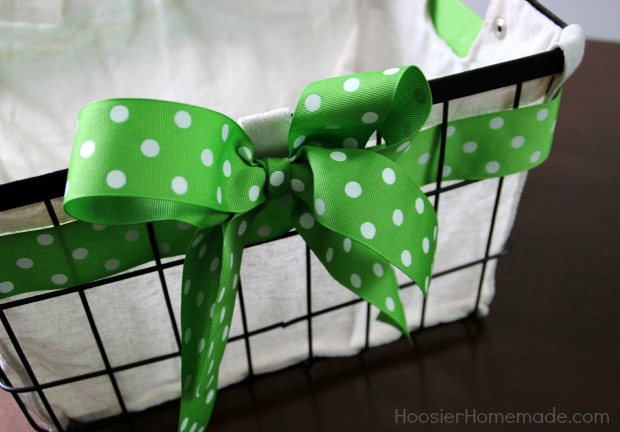 Bow for gift basket