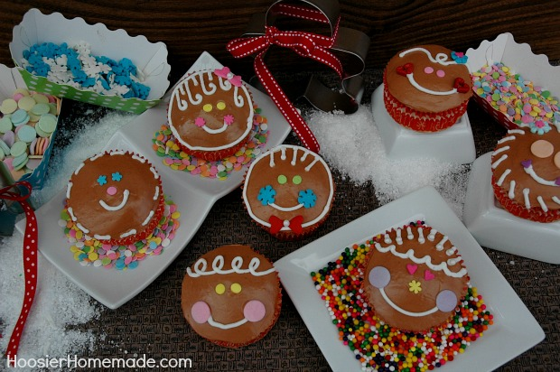 Christmas Cupcakes : Gingerbread Boys and Girls : Click on photo for Recipe and Instructions from HoosierHomemade.com