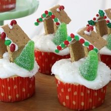 gingerbread-house-cupcakes-feature