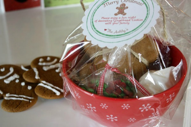 Gingerbread Man Cookie Kits: 100 Days of Homemade Holiday ...