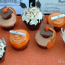 Graduation Cupcakes.featured