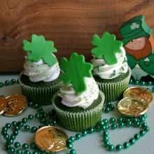 Green-Velvet-Cupcakes.hh