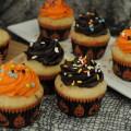 Halloween Cupcakes :: HoosierHomemade.com