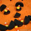 Halloween Cupcakes | Pull apart cupcakes that are perfect for a Kid's Halloween Party | Recipe on HoosierHomemade.com