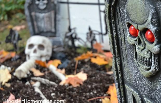 Easy Halloween Decorations :: HoosierHomemade.com