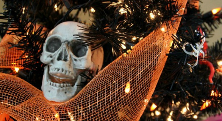 Halloween-Tree-Skull.feature