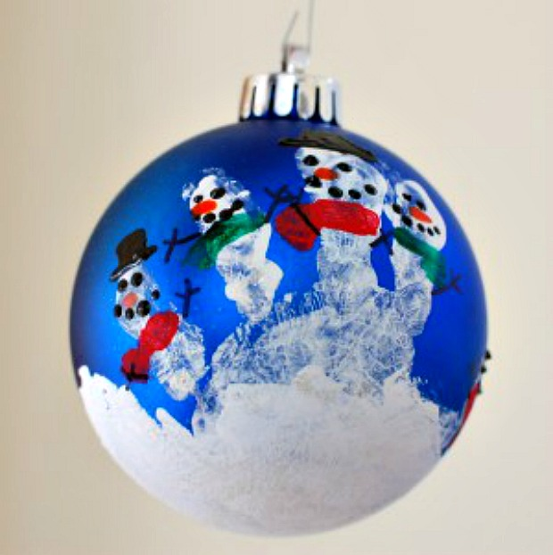 Handprint Snowman Ornament :: 100 Days of Homemade Holiday Inspiration on HoosierHomemade.com