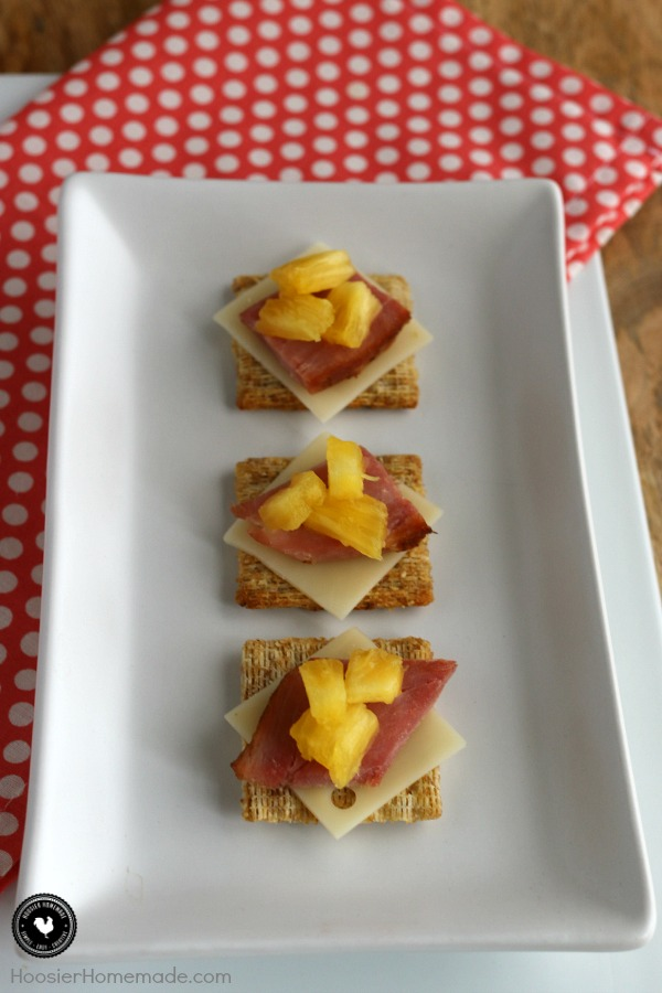 Just 4 ingredients in this easy snack! Hawaiian Triscuit Snacks will inspire you to dream of the islands! Pin to your Recipe Board!
