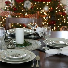 Holiday Table.FEATURE
