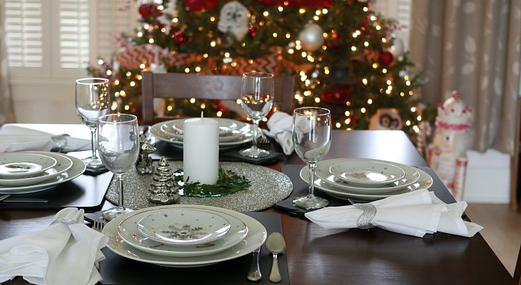 Holiday Table Settings simple holiday table setting - hoosier homemade