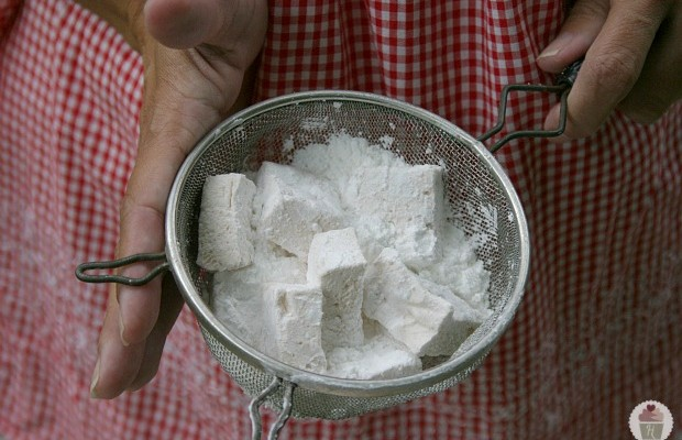 Homemade Apple Cinnamon Marshmallows Recipe :: HoosierHomemade.com