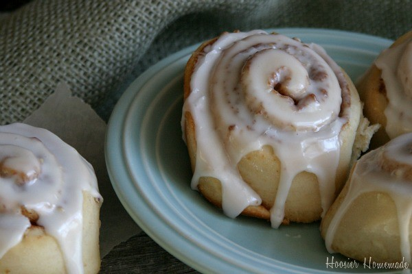 Homemade-Cinnamon-Rolls.close