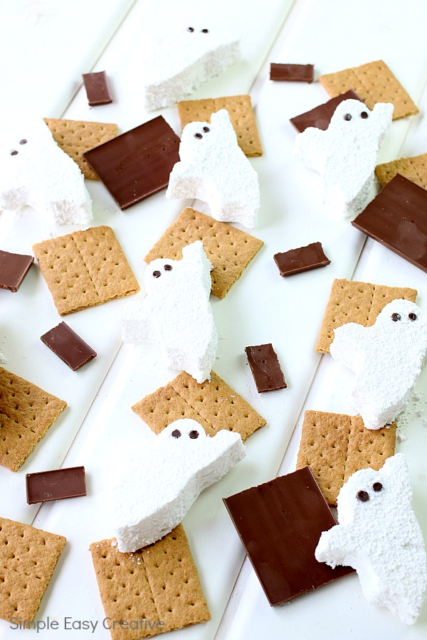 HOMEMADE MARSHMALLOWS: HALLOWEEN S'MORES