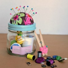 Homemade sewing kit mason jar Christmas gift idea 5