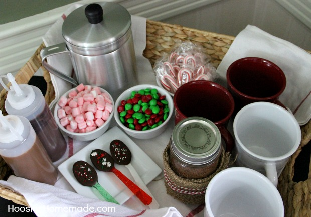 Hot-Cocoa-Gift-Basket-bottles