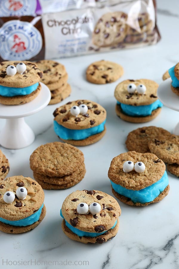 Ice Cream Cookie Sandwich that look like Cookie Monster