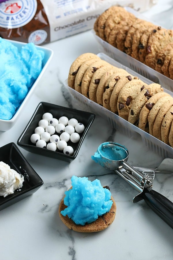 Blue Ice Cream on top of cookie for sandwich