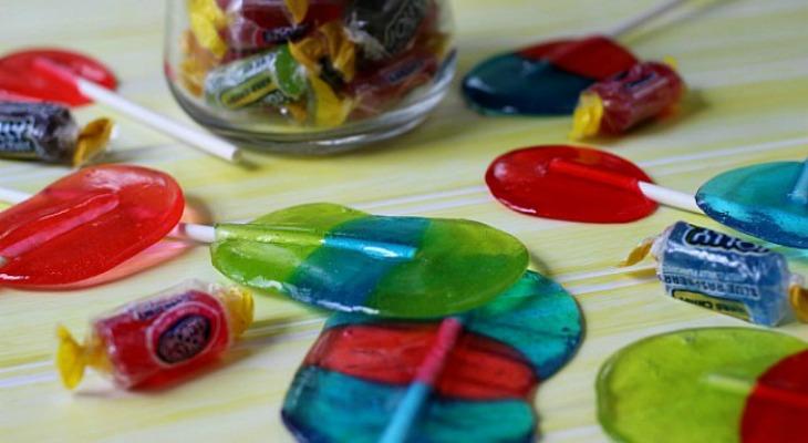 Jolly Rancher Lollipops.FEATURE