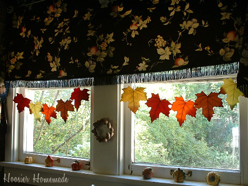 Decorating Kitchen Window Christmas