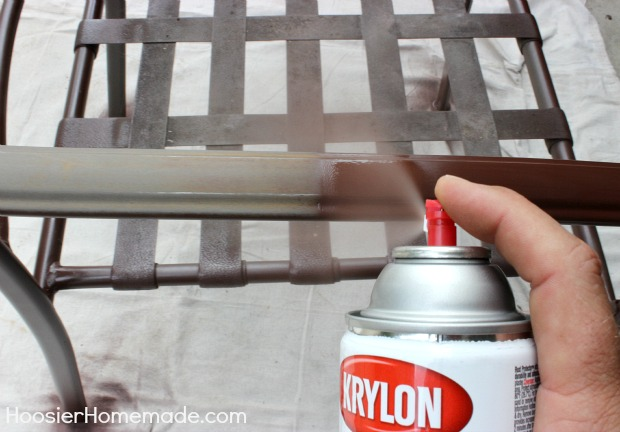 How to Paint Chairs: Quick Fix for Rust :: Tutorial on HoosierHomemade.com
