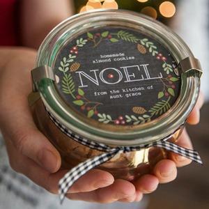 Printable Holiday Labels :: HoosierHomemade.com