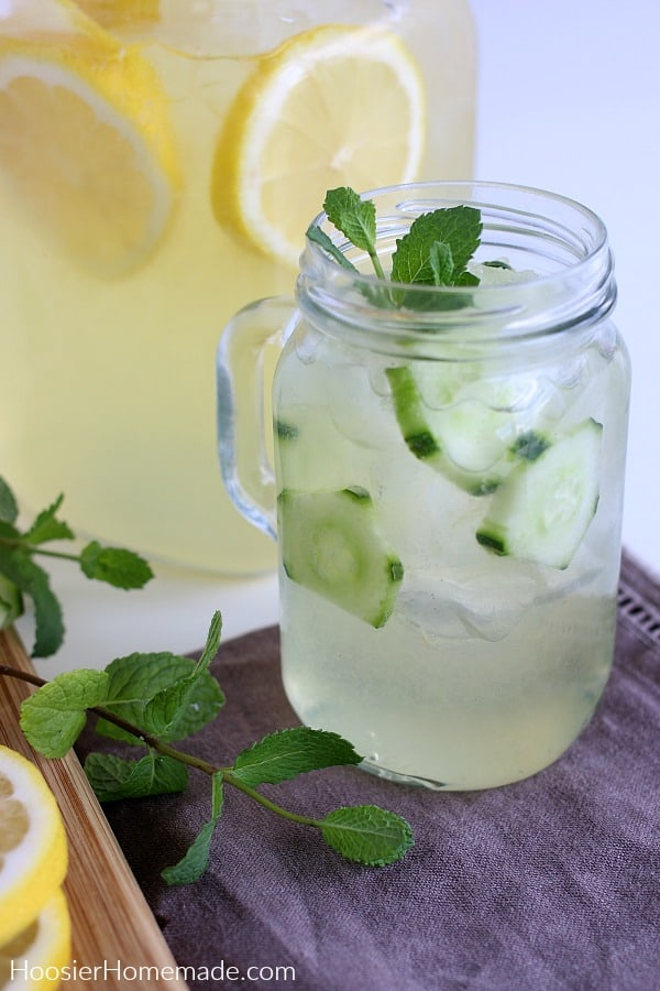 Cucumber Mint Lemonade in glass mason jar