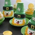 Leprechaun Cupcakes for St. Patrick's Day :: Instructions on HoosierHomemade.com