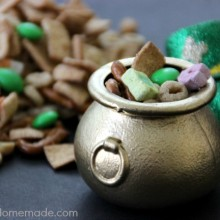 Leprechaun Snack Mix | Recipe on HoosierHomemade.com