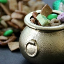 Leprechaun Snack Mix.FEATURE