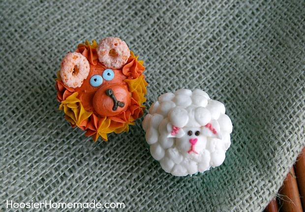Lion and Lamb Cupcakes :: HoosierHomemade.com