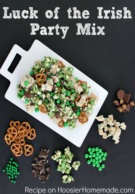 This Luck of the Irish Party Mix is as fun to make as it is to eat! Go green for St. Patrick's Day! Whip up a batch to enjoy at home or give as gifts! FREE Printable Gift Tags included! Pin to your Recipe Board!