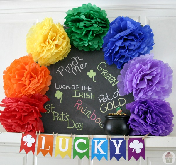 Lucky-Banner-St.Patrick's-Day-Mantel