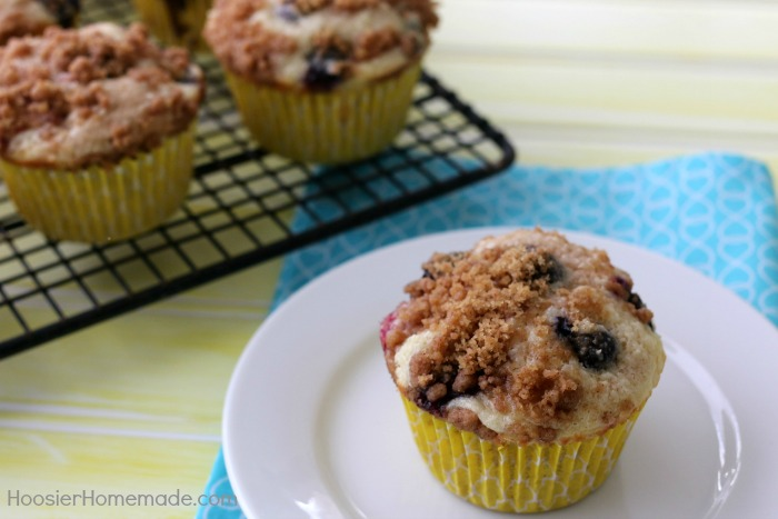 Mixed Berry Cheesecake Muffins