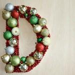 DIY Monogrammed Wreath :: 100 Days of Homemade Holiday Inspiration on HoosierHomemade.com
