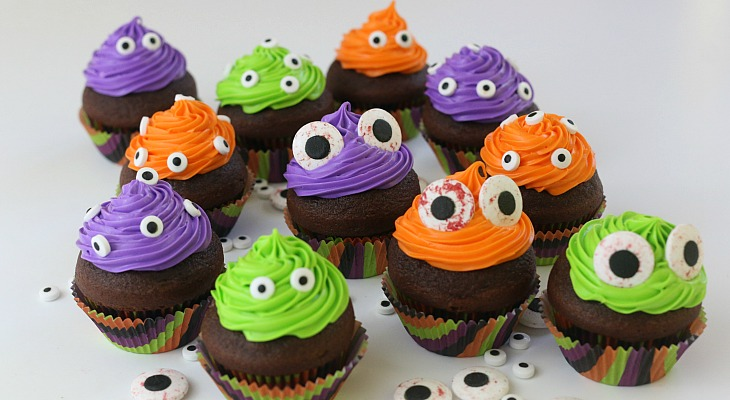 Monster Eye Cupcakes.FEATURE