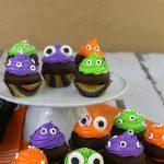 MONSTER EYE CUPCAKES -- Easy Halloween Cupcakes