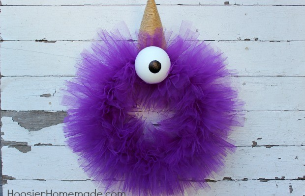 Halloween Monster Wreath : Purple People Eater :: Tutorial on HoosierHomemade.com