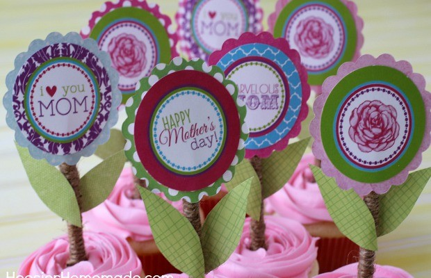 Mother's Day Cupcake Toppers : Free Printables   Available on HoosierHomemade.com