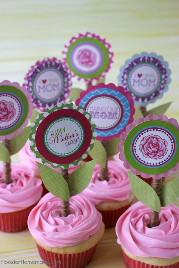 Treat Mom extra special this Mother's Day with these fun and easy to make printable Mother's Day Cupcake Toppers! FREE Printable!