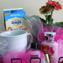 Mother's Day Gift Basket.feature1