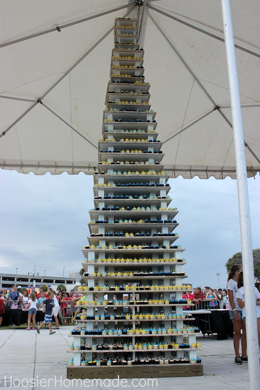 World's Largest Cupcake Tower made by Georgetown Cupcakes :: HoosierHomemade.com