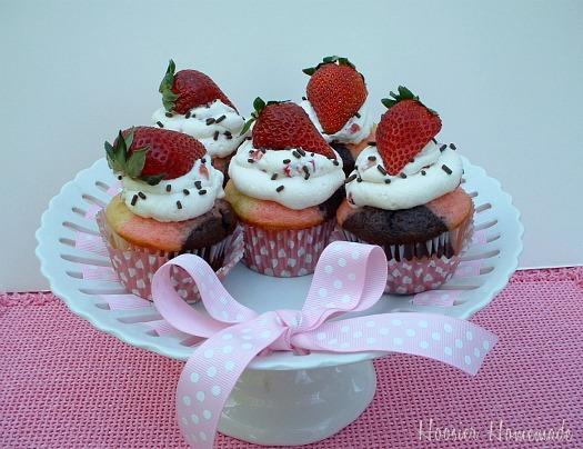 Neapolitan Cupcakes: Cupcake Tuesday