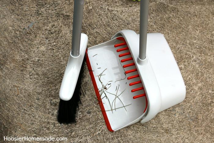 OXO Extendable Sweep Set