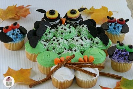 Halloween cupcakes and printable cupcake toppers hoosier for Halloween mini cupcake decorating ideas