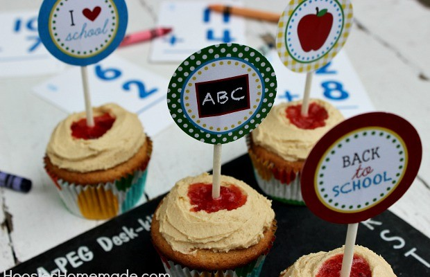 Peanut Butter & Jelly Cupcakes with Printable Cupcake Toppers :: Recipe + Toppers on HoosierHomemade.com