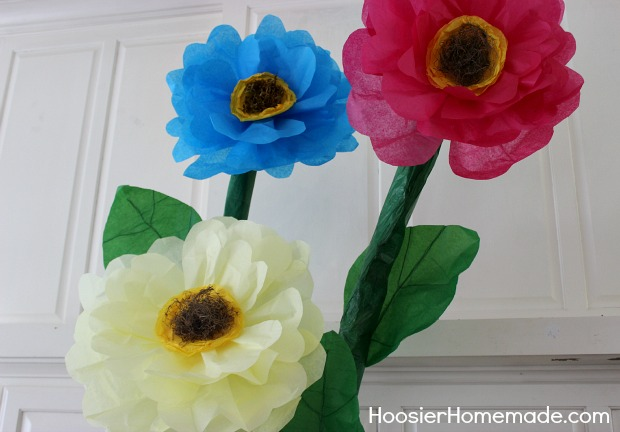 How to make giant tissue paper flowers hoosier homemade we mightylinksfo
