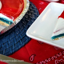 Easy Patriotic Pie :: Perfect for Fourth of July :: Recipe on HoosierHomemade.com