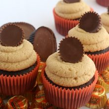 Peanut Butter Cup Cupcakes.FEATURE