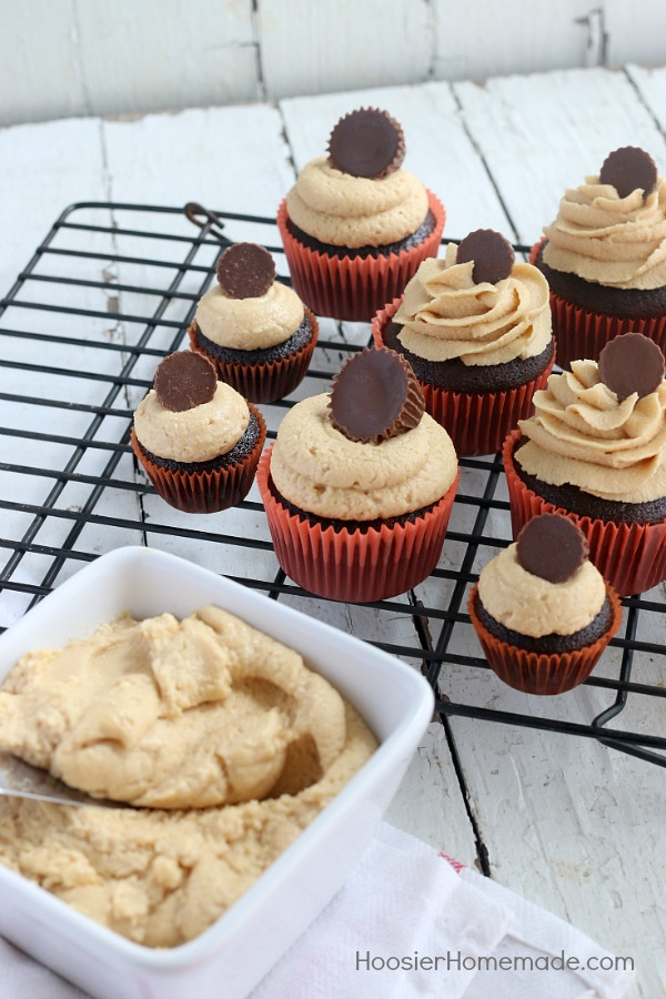 PEANUT BUTTER FROSTING RECIPE -- The BEST peanut butter frosting you will ever taste! Perfect for cupcakes, cakes, brownies and more!
