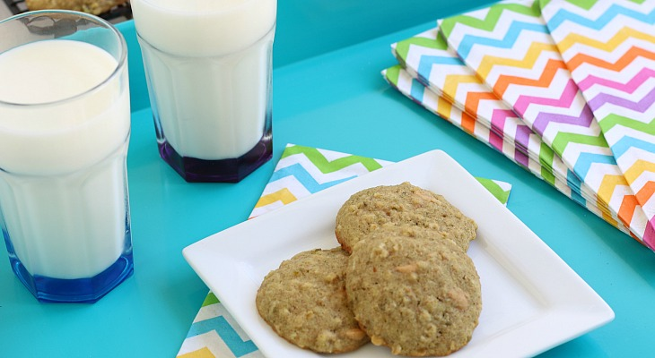 Peanut Butter Oatmeal Cookies.FEATURE